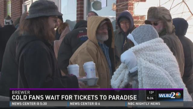 Maine music fans wait in line on frigid day with minds in Margaritaville